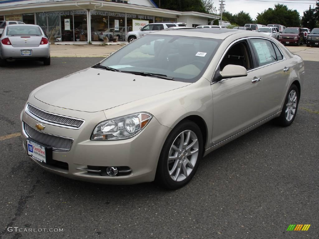 2009 gold mist metallic chevrolet malibu ltz sedan. Black Bedroom Furniture Sets. Home Design Ideas
