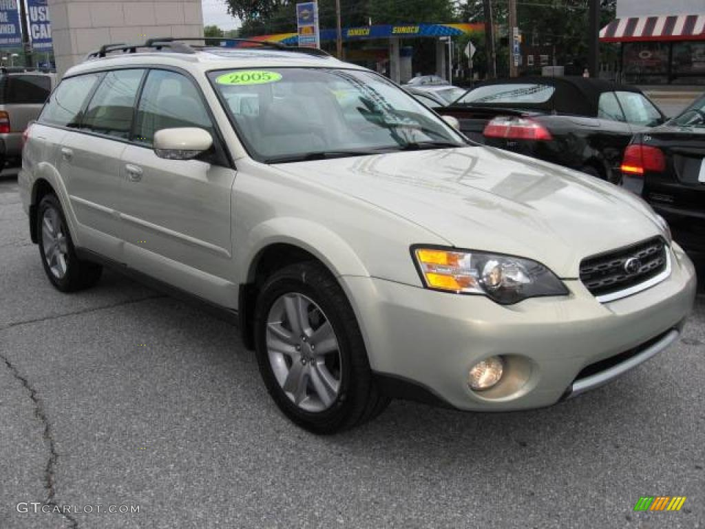 2006 subaru outback 3. 0 r l. L. Bean edition wagon taupe dashboard.