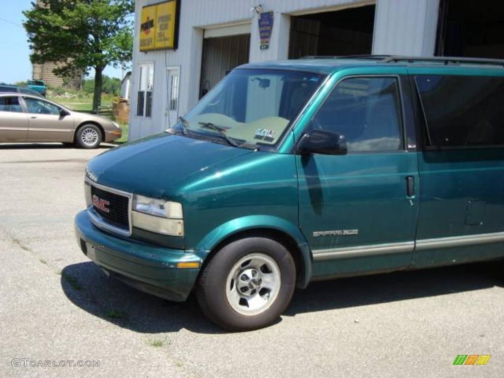 1998 Safari SLE AWD Passenger Van