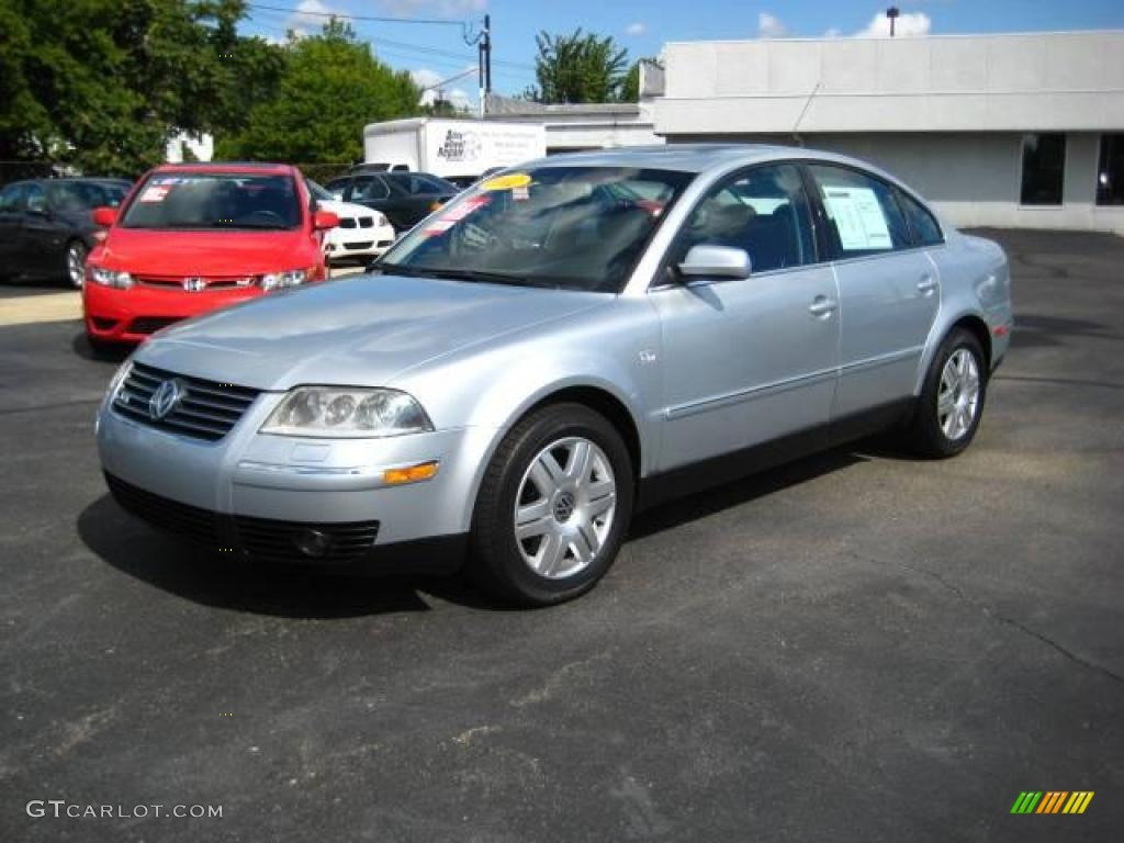 2002 reflex silver metallic volkswagen passat w8 4motion sedan 17104961 car. Black Bedroom Furniture Sets. Home Design Ideas