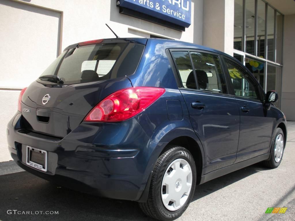 2008 blue onyx nissan versa 1 8 s hatchback 17104149. Black Bedroom Furniture Sets. Home Design Ideas