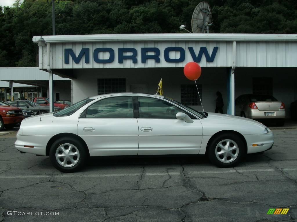 1996 bright white oldsmobile aurora 4 0 17189277 gtcarlot com car color galleries gtcarlot com