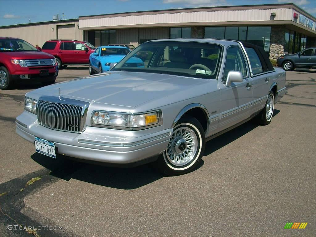1997 lincoln town car blue 200 interior and exterior images. Black Bedroom Furniture Sets. Home Design Ideas