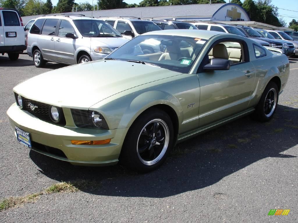 2006 legend lime metallic ford mustang gt premium coupe. Black Bedroom Furniture Sets. Home Design Ideas