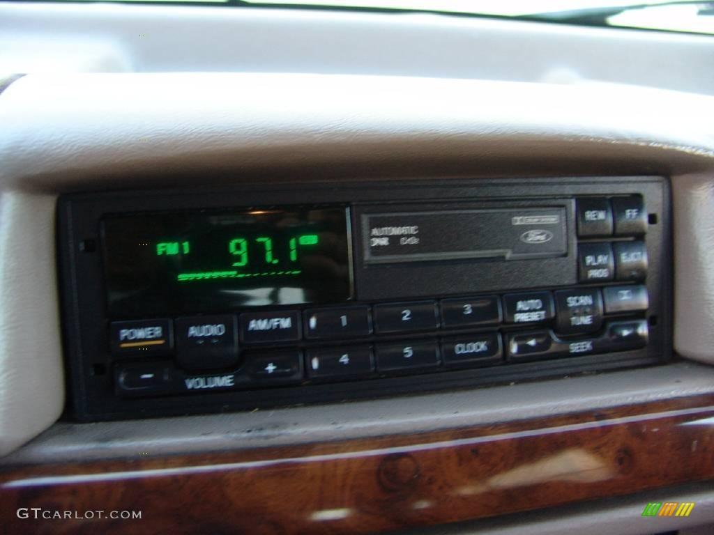 1996 Bronco Eddie Bauer 4x4   Toreador Red Metallic / Beige Photo #25