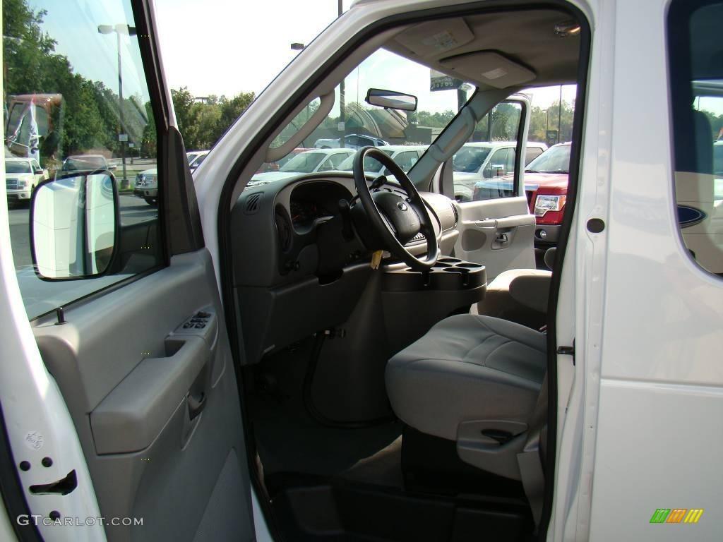 2007 Oxford White Ford E Series Van E350 Super Duty Xlt 15