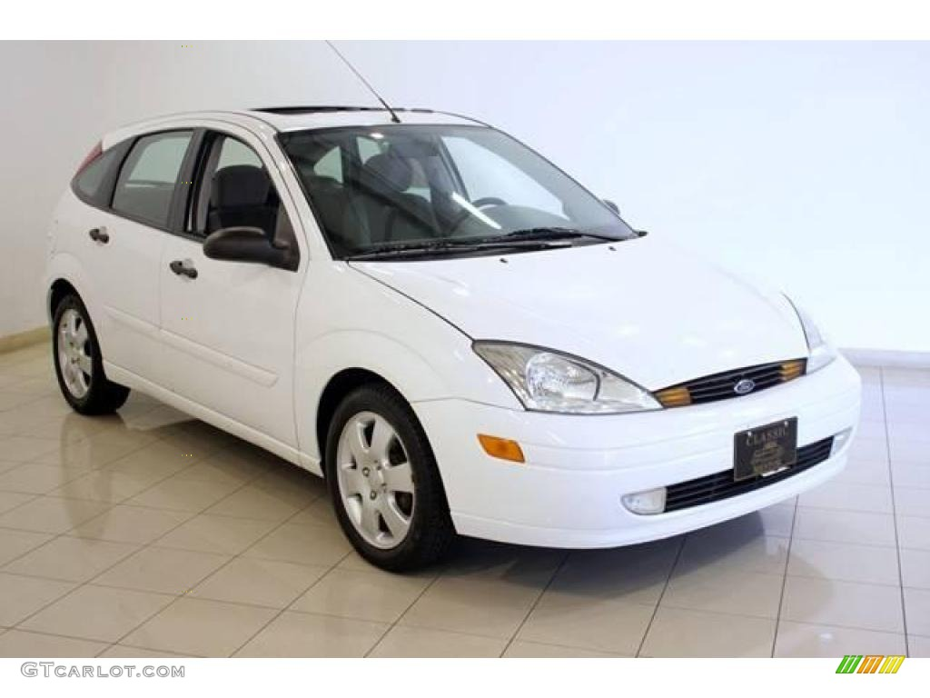 2002 cloud 9 white ford focus zx5 hatchback 17748706. Black Bedroom Furniture Sets. Home Design Ideas