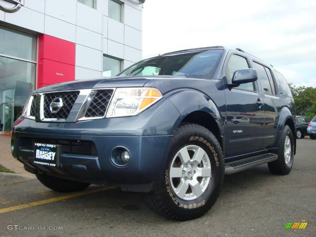 2006 silverton blue pearl nissan pathfinder se off road 4x4 silverton blue pearl nissan pathfinder vanachro Gallery