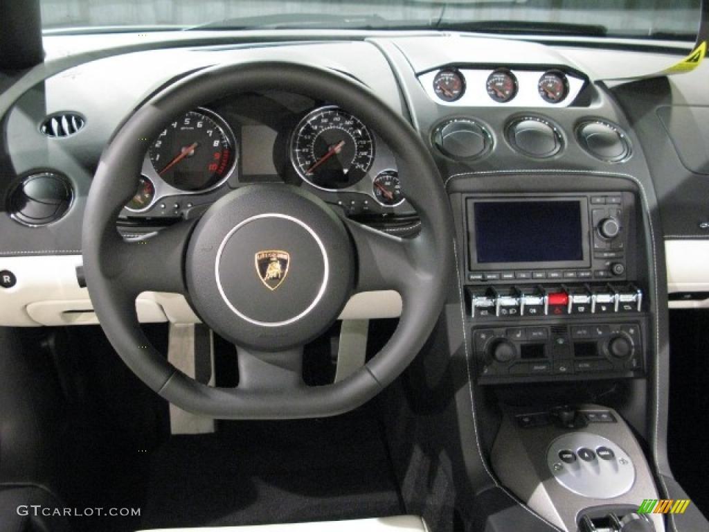 2010 Balloon White Lamborghini Gallardo Lp560 4 Spyder 17971356