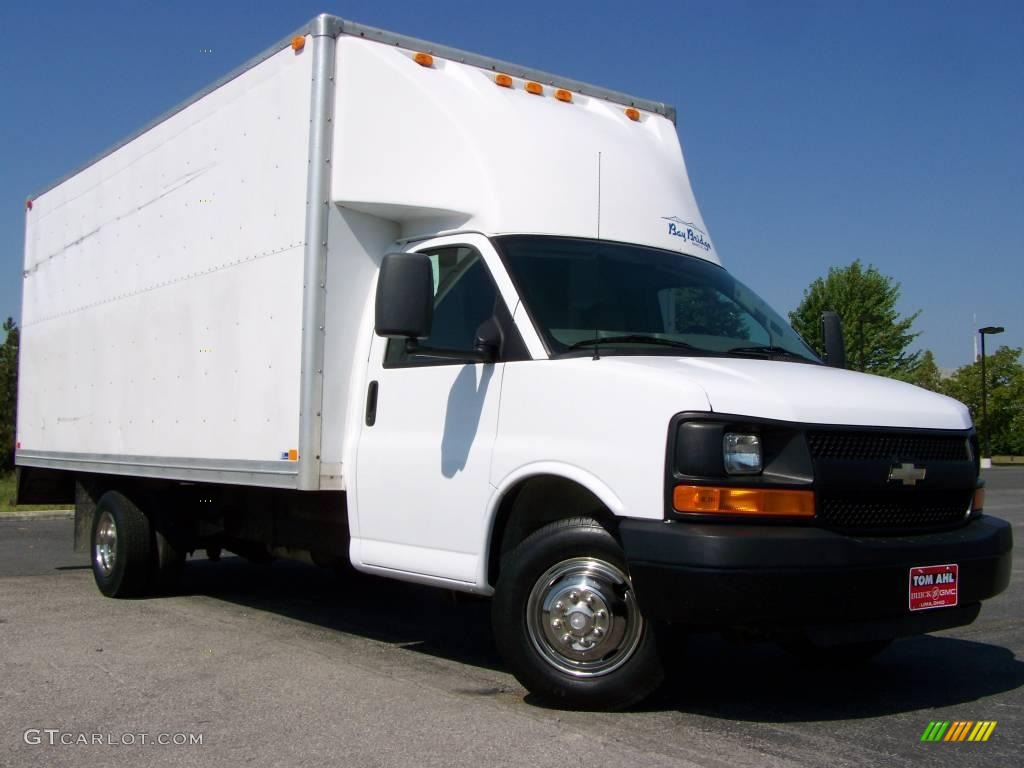 2007 express cutaway 3500 commercial moving van summit white pewter photo 1