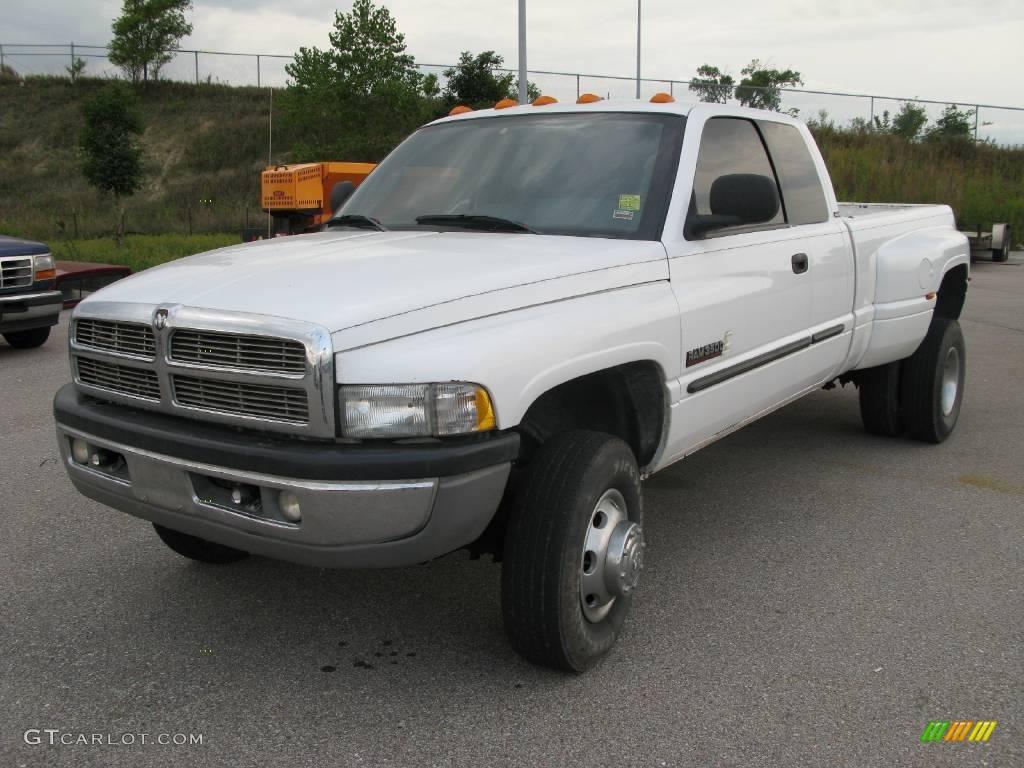2002 bright white dodge ram 3500 slt quad cab 4x4 dually 18038104 gtcarlot com car color galleries gtcarlot com