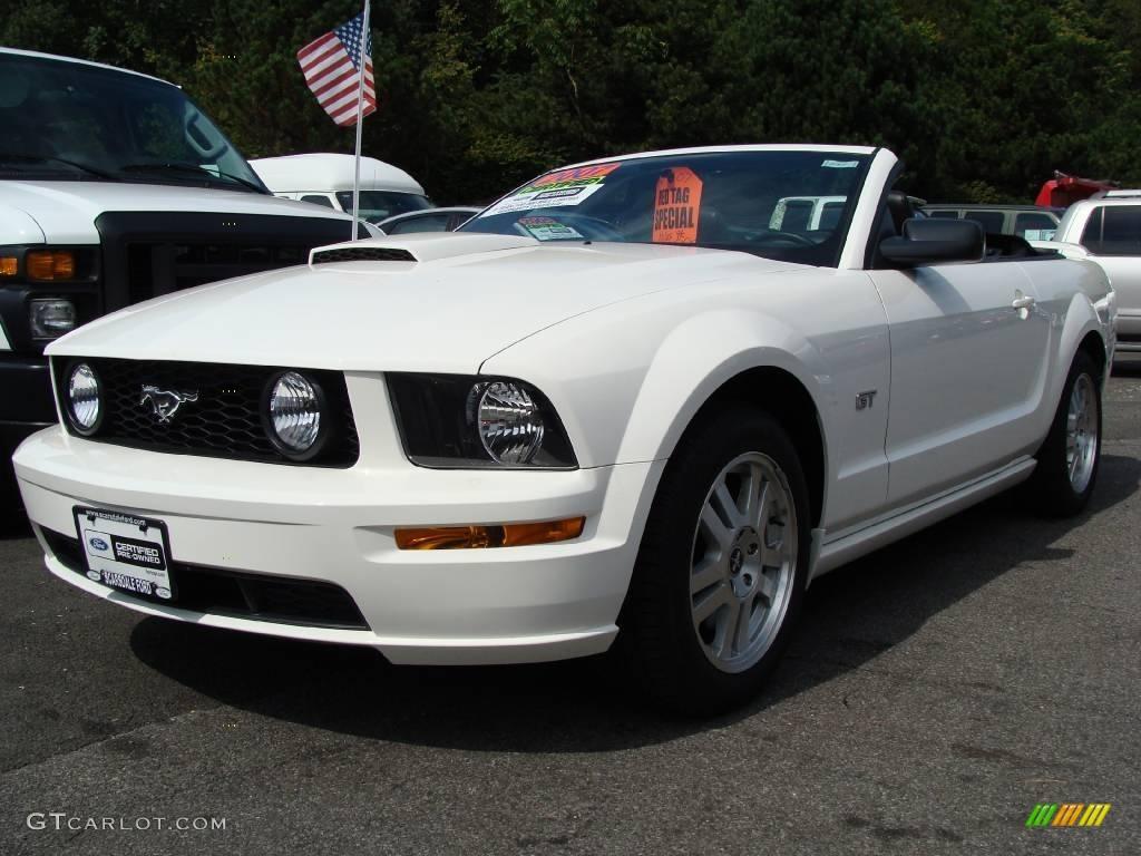 2007 Mustang GT Premium Convertible - Performance White / Dark Charcoal photo #1