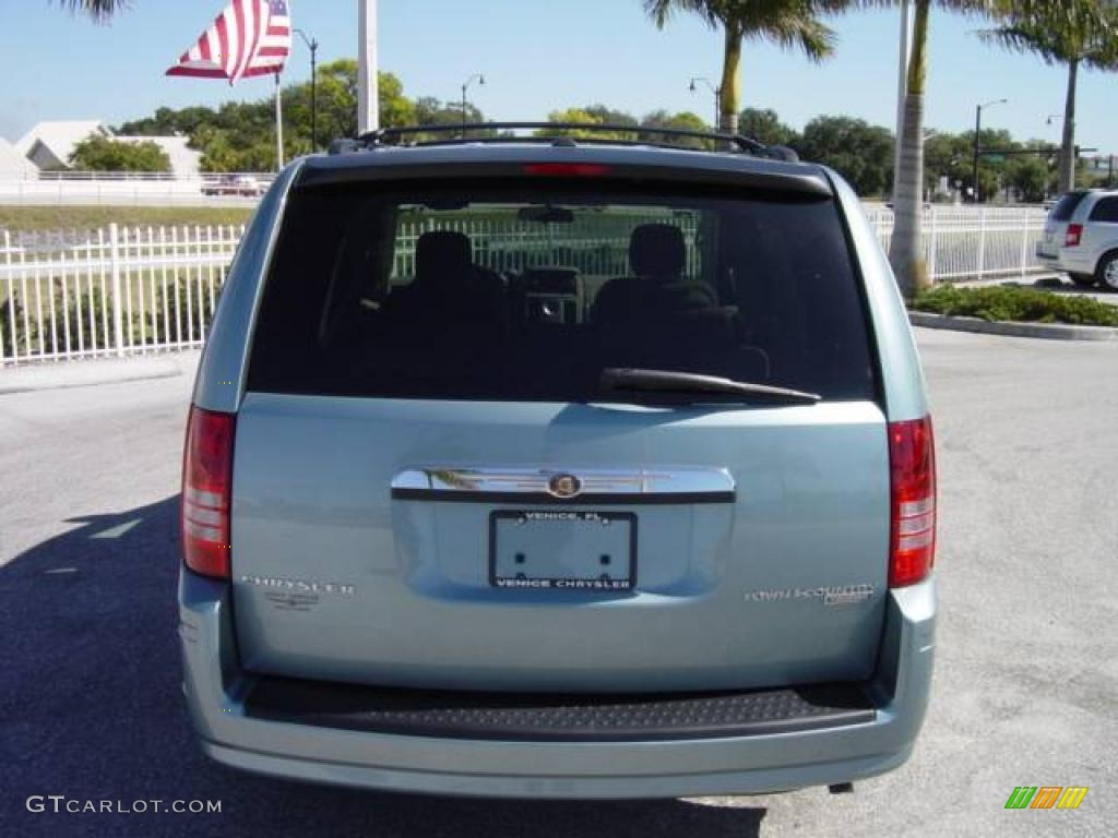 2009 Town & Country Touring - Clearwater Blue Pearl / Medium Pebble Beige/Cream photo #5