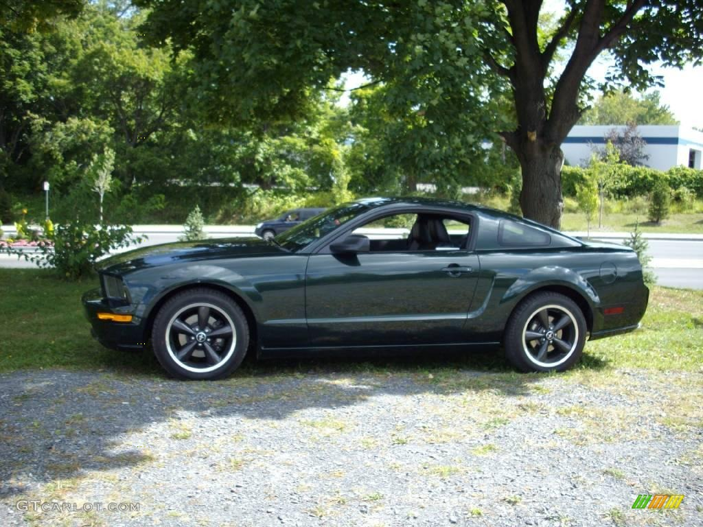 2008 highland green metallic ford mustang bullitt coupe 18104179 car color. Black Bedroom Furniture Sets. Home Design Ideas