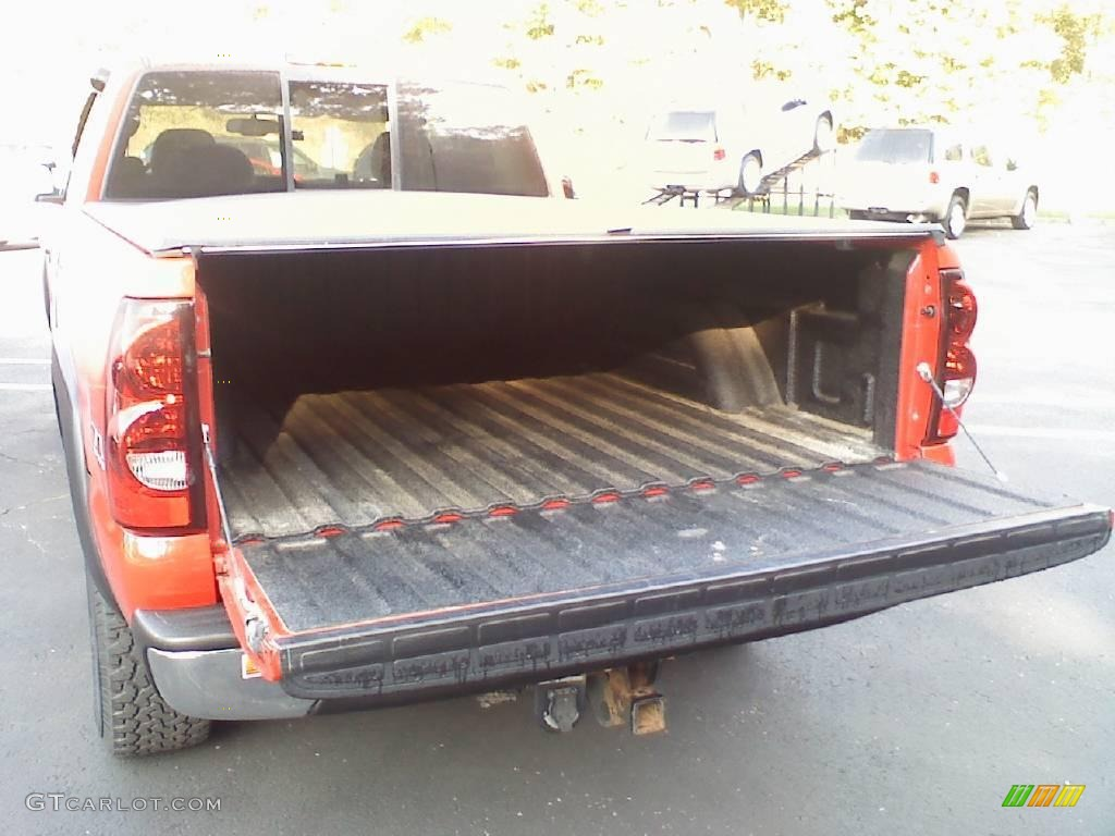 2006 Silverado 1500 Z71 Extended Cab 4x4 - Victory Red / Dark Charcoal photo #5