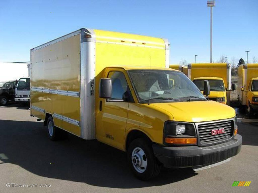 2005 savana cutaway 3500 commercial moving truck yellow pewter photo 1