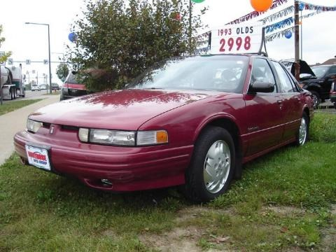 1993 oldsmobile cutlass supreme sedan data info and specs. Black Bedroom Furniture Sets. Home Design Ideas