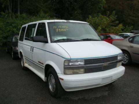 1996 Chevrolet Astro LS Passenger Van Data, Info and Specs