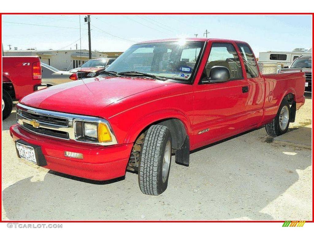 Standard Red Chevrolet S10