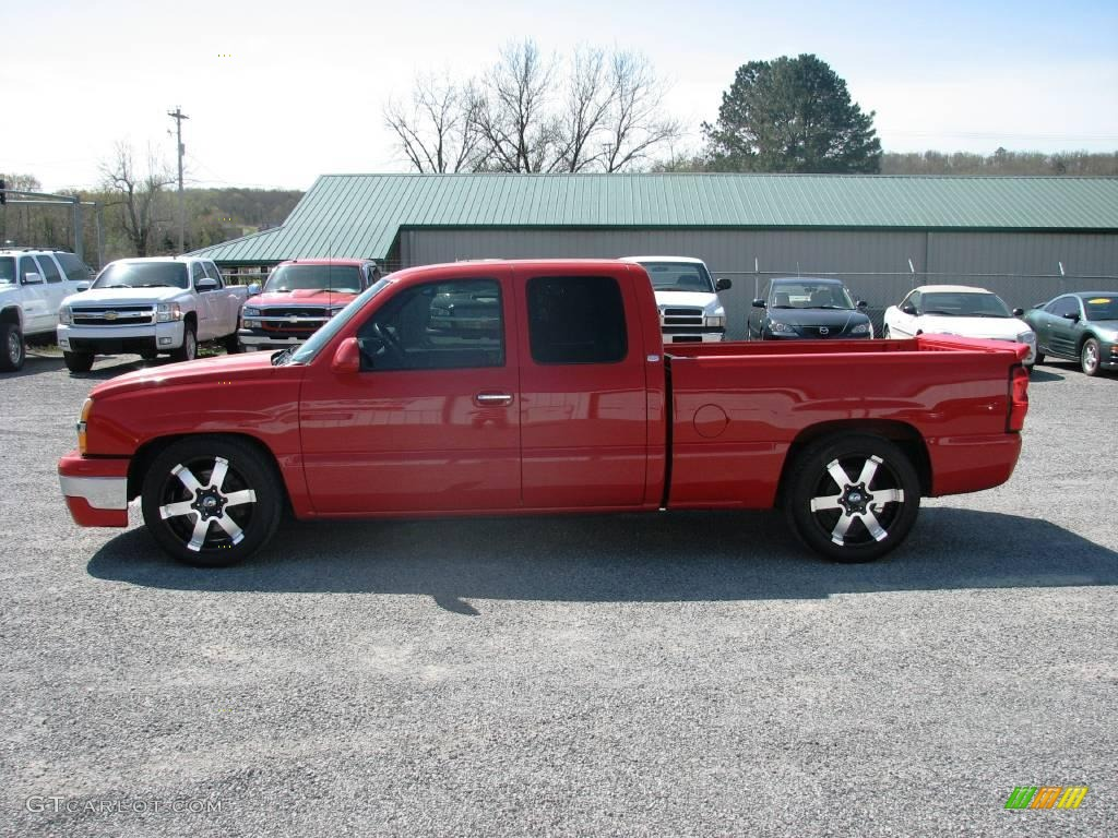 2005 Silverado 1500 LS Extended Cab - Victory Red / Dark Charcoal photo #1