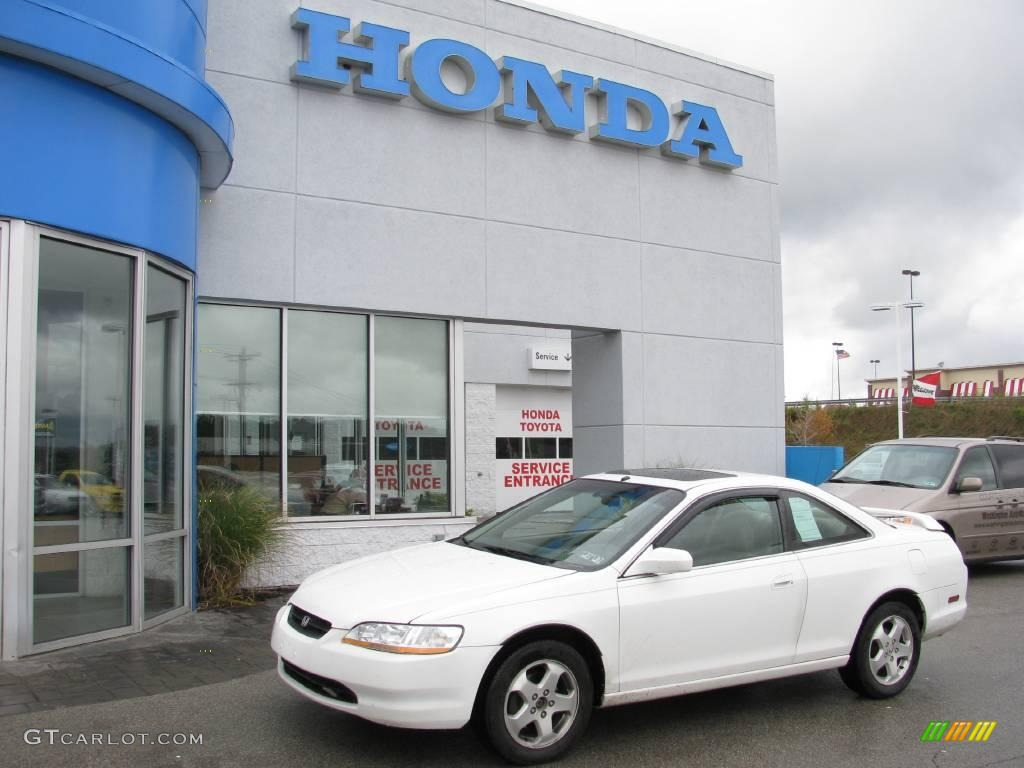 Taffeta White Honda Accord