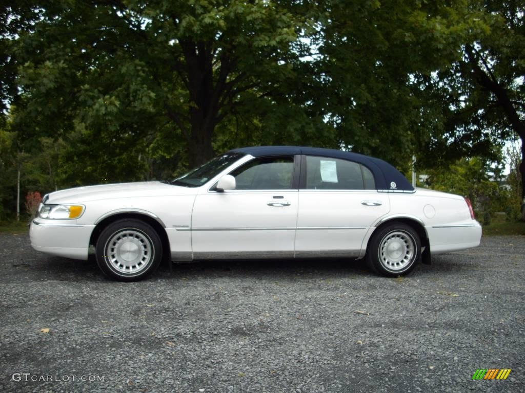 2001 Vibrant White Lincoln Town Car Presidential 18912714 Photo 2