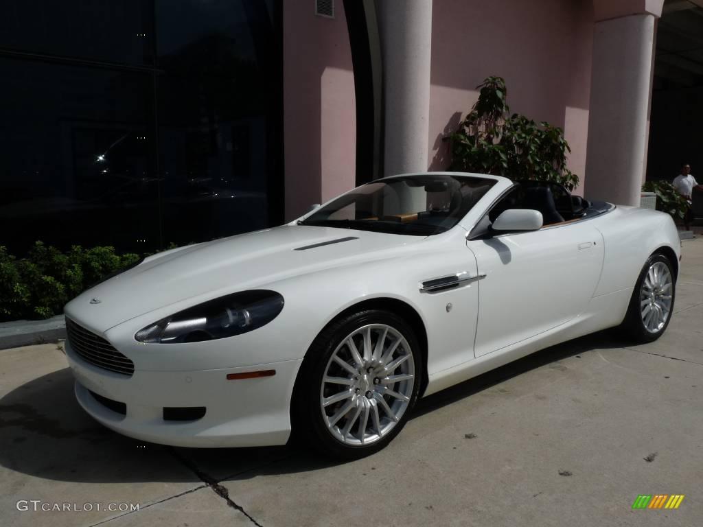 Stratus White Aston Martin DB9