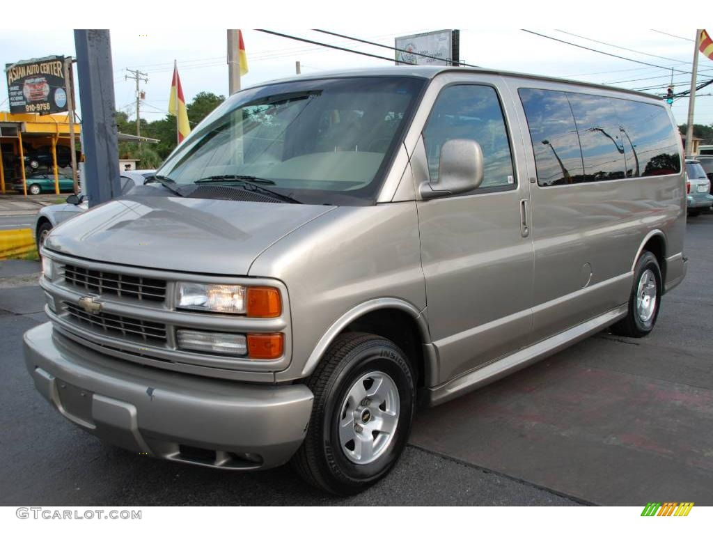 2001 light pewter metallic chevrolet express 1500 lt luxury passenger van 19007227 gtcarlot. Black Bedroom Furniture Sets. Home Design Ideas