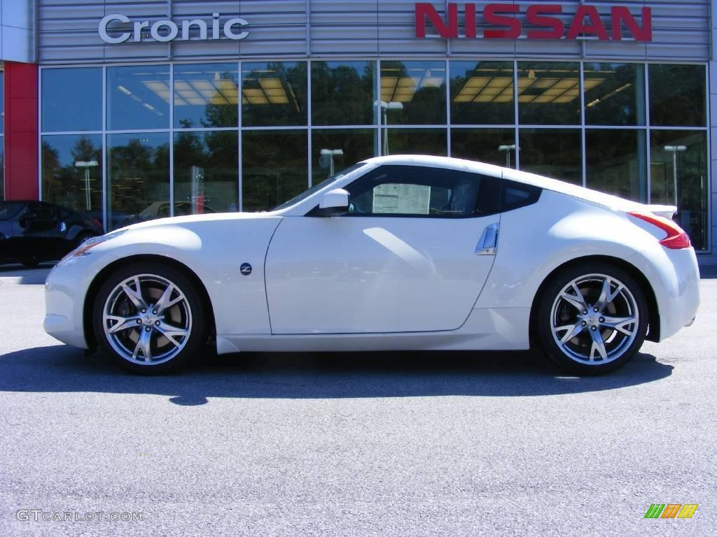 2009 Pearl White Nissan 370z Sport Touring Coupe 19005160