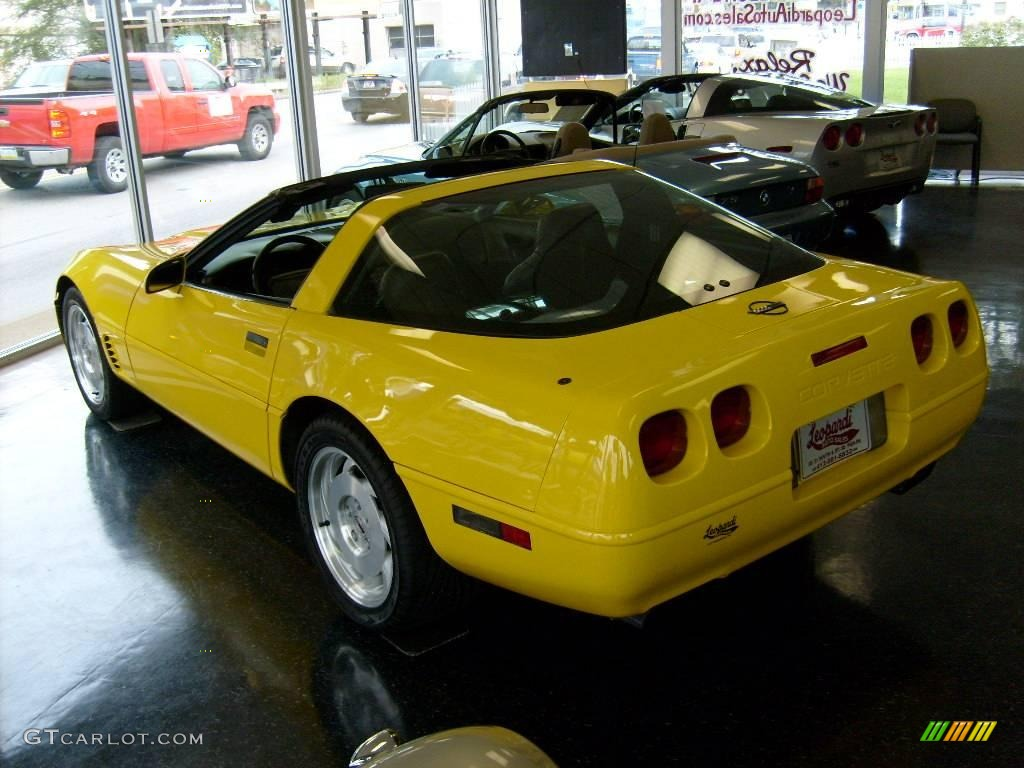 1995 Corvette Coupe - Competition Yellow / Black photo #4
