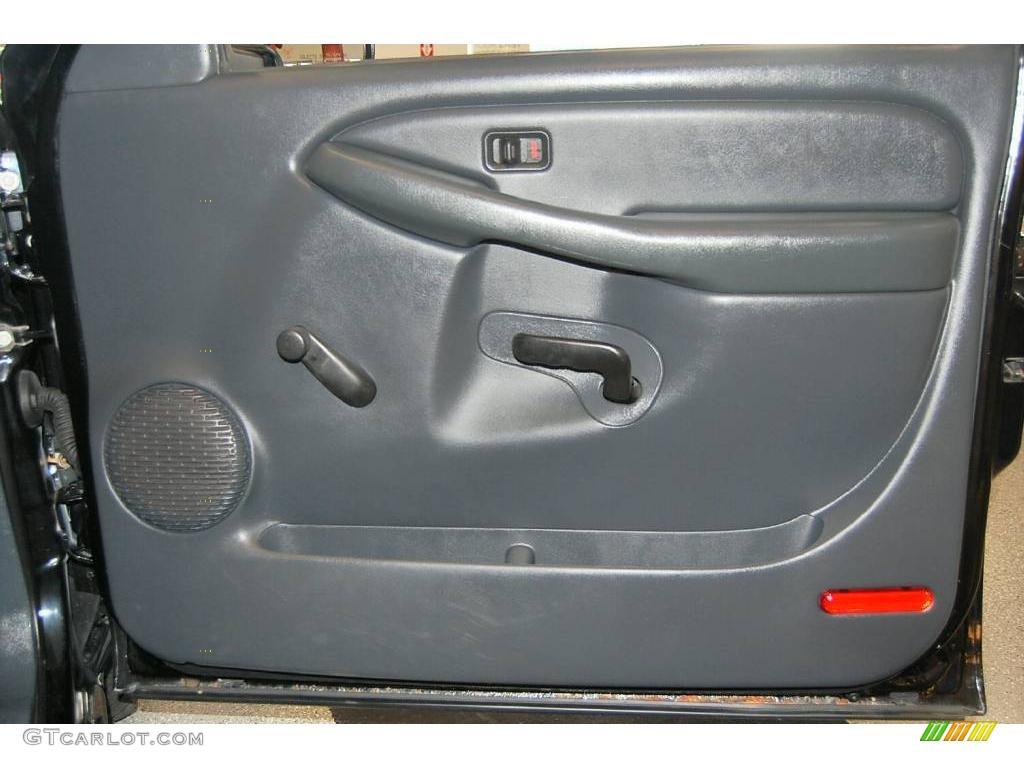 2002 Silverado 1500 LS Extended Cab - Onyx Black / Graphite Gray photo #35