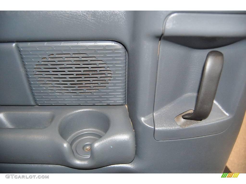 2002 Silverado 1500 LS Extended Cab - Onyx Black / Graphite Gray photo #48