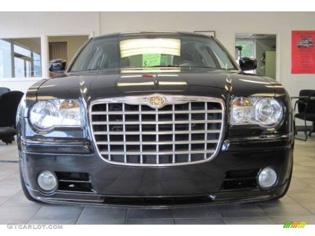 Brilliant Black Crystal Pearl Chrysler 300