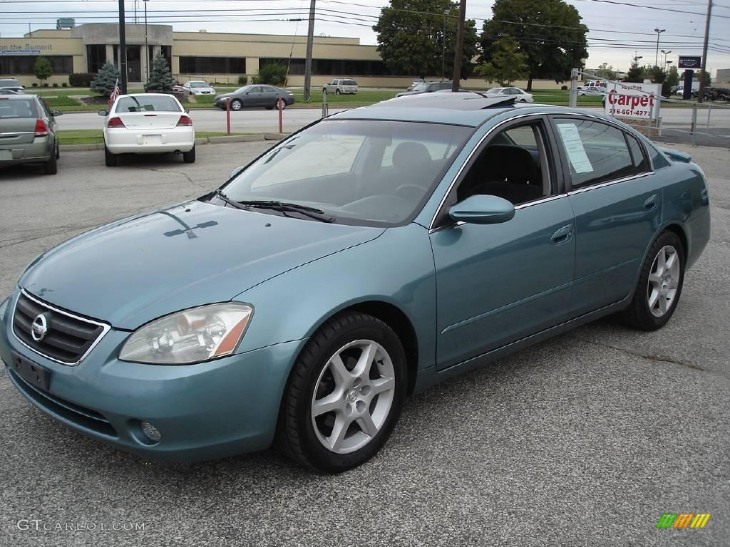 Delightful Seascape Light Blue Nissan Altima. Nissan Altima 3.5 SE