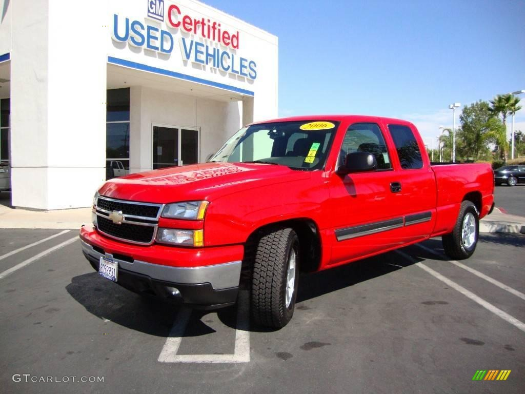 2006 Silverado 1500 LT Extended Cab - Victory Red / Dark Charcoal photo #1