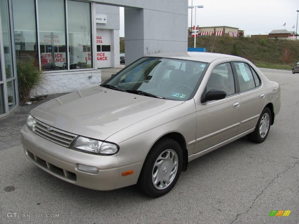 1997 Champagne Pearl Nissan Altima Gxe 19756337 Photo 2