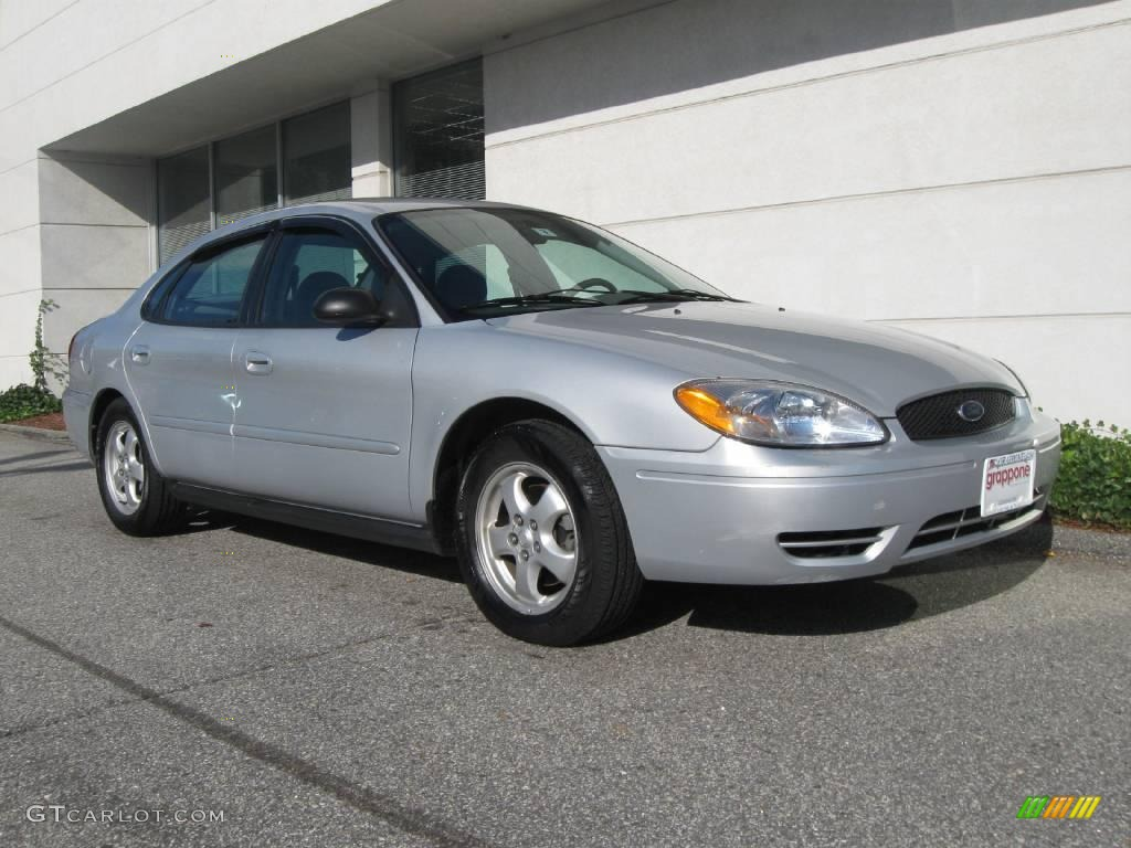 2007 ford taurus se silver frost metallic color medium dark flint