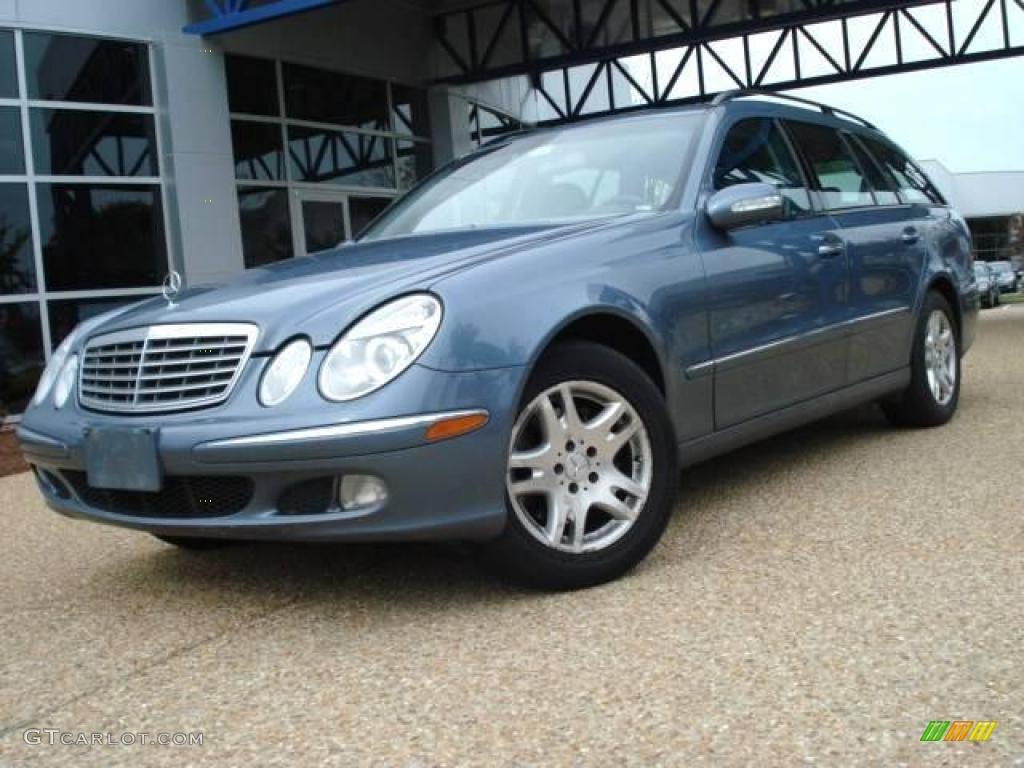 2004 platinum blue metallic mercedes benz e 320 4matic for Mercedes benz color