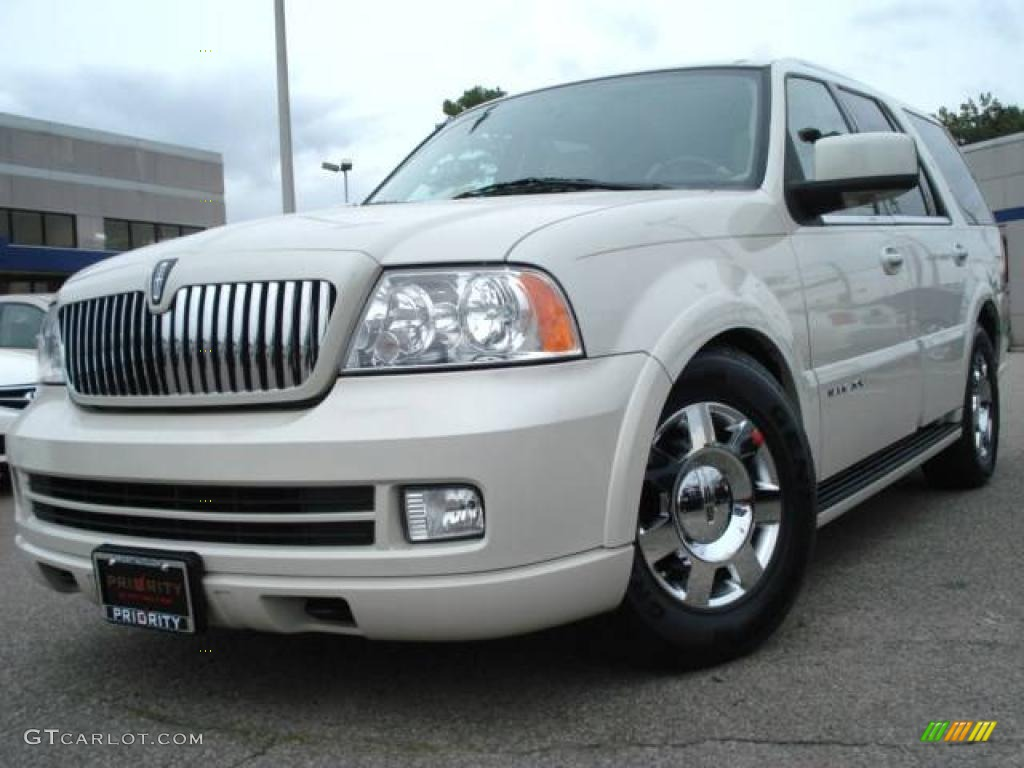2006 light french silk metallic lincoln navigator luxury. Black Bedroom Furniture Sets. Home Design Ideas