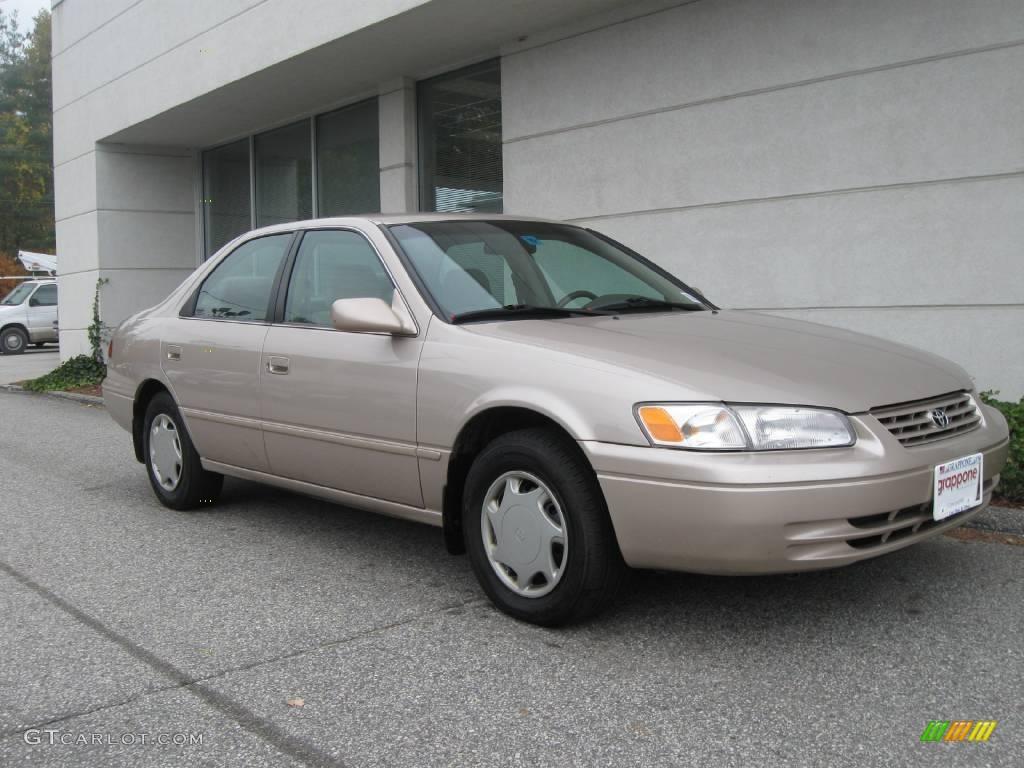 1999 Cashmere Beige Metallic Toyota Camry Ce 19886328