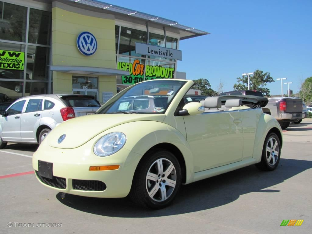 2006 sunflower yellow volkswagen new beetle 2 5 convertible 19886984 car color. Black Bedroom Furniture Sets. Home Design Ideas