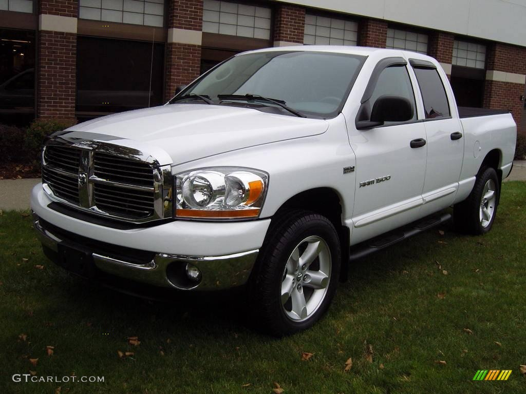 2006 Ram 1500 SLT Quad Cab 4x4 - Bright White / Medium Slate Gray photo #1