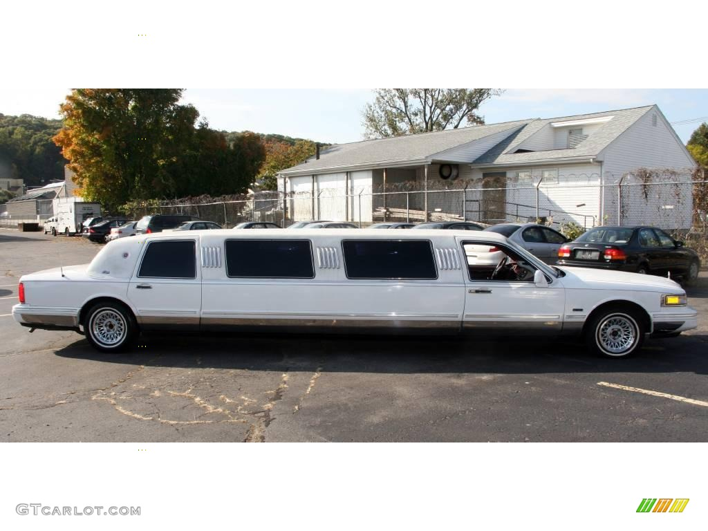 1997 performance white lincoln town car limousine 20125094 photo 4 car color. Black Bedroom Furniture Sets. Home Design Ideas