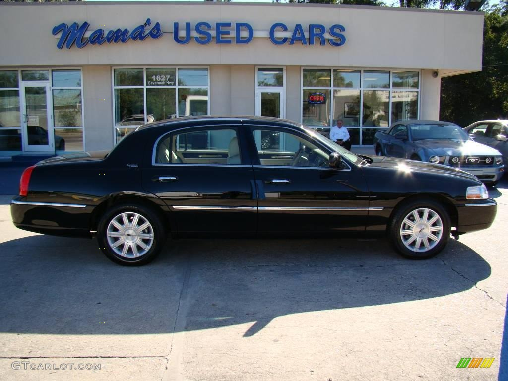 2008 Black Lincoln Town Car Signature Limited 20238559 Gtcarlot