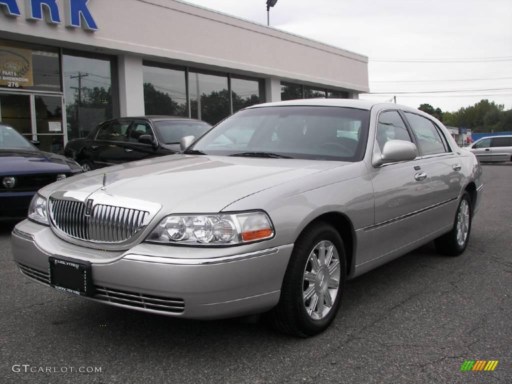 2009 silver birch metallic lincoln town car signature limited 20235662 car. Black Bedroom Furniture Sets. Home Design Ideas