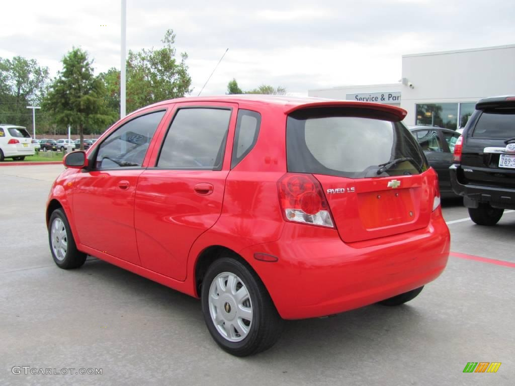 2004 Victory Red Chevrolet Aveo LS Hatchback 20304981 Photo 3