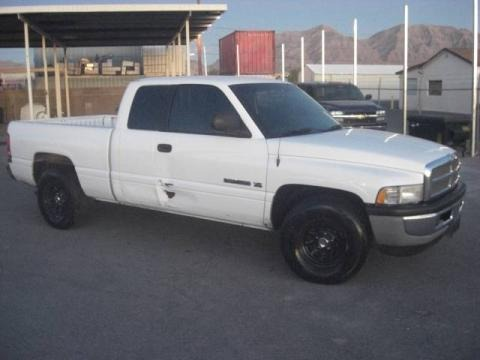 1999 Dodge Ram 1500 ST Extended Cab Data, Info and Specs