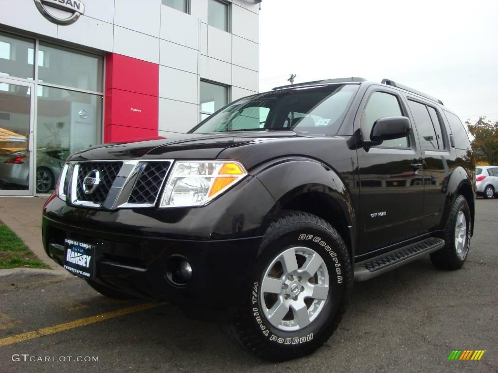 2006 super black nissan pathfinder se off road 4x4. Black Bedroom Furniture Sets. Home Design Ideas