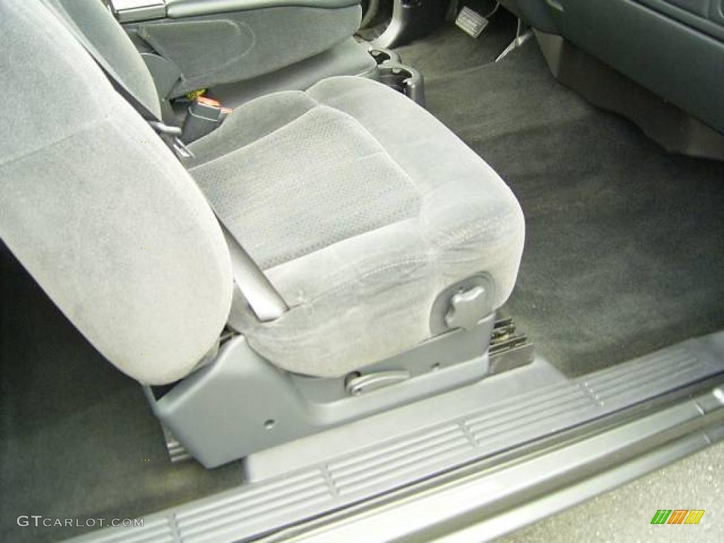 2002 Silverado 1500 LS Extended Cab - Medium Charcoal Gray Metallic / Graphite Gray photo #14
