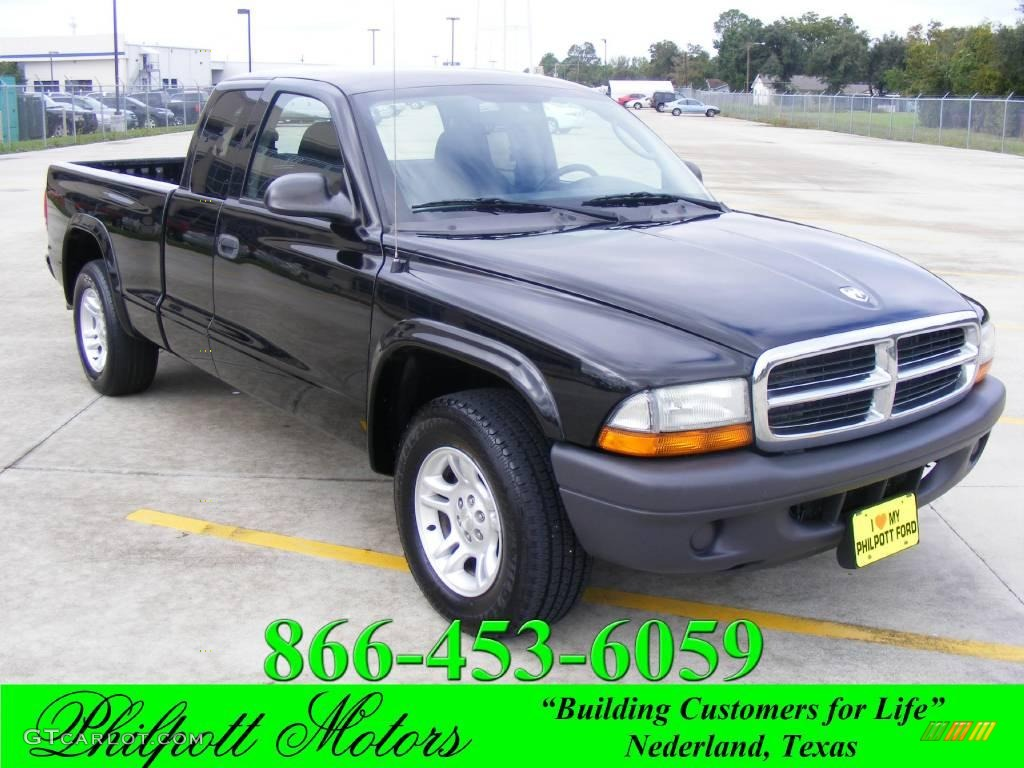 2004 Dakota SXT Club Cab - Black / Dark Slate Gray photo #1